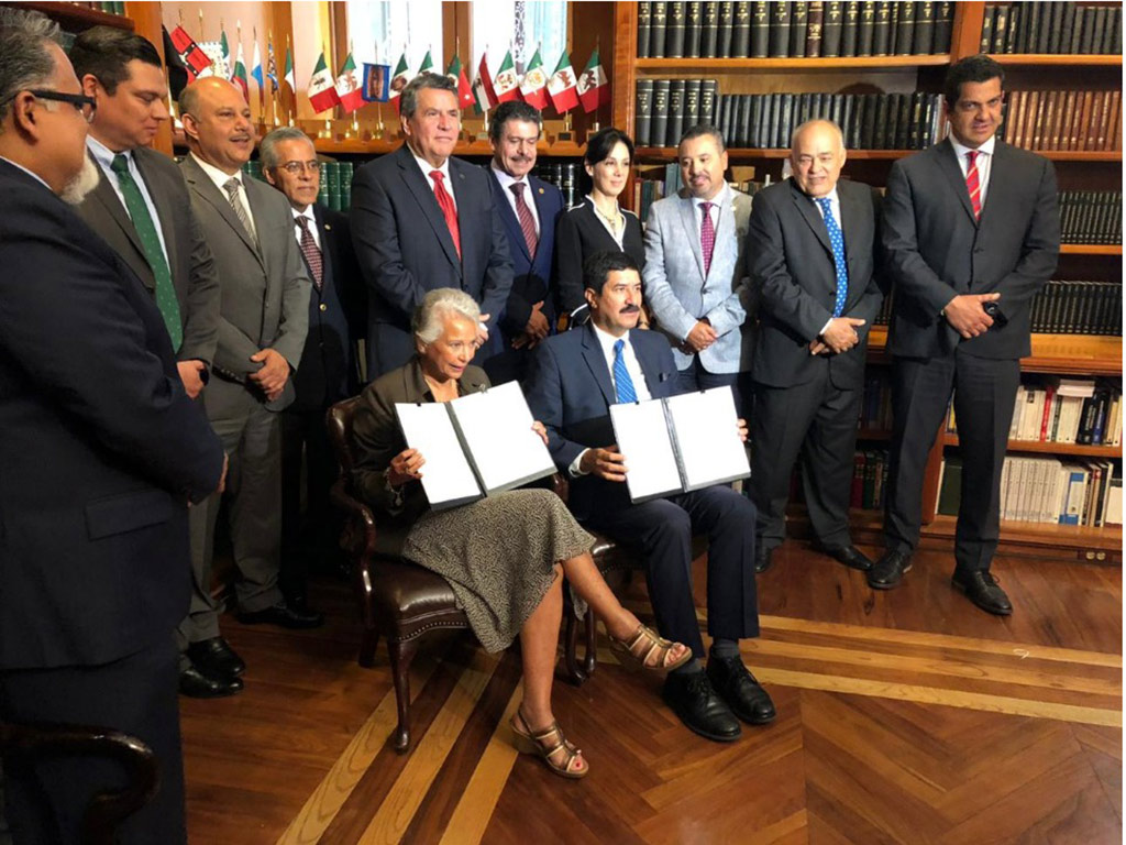 Mantiene privilegios y elitismo nueva ley notarial de Chihuahua; los pobres, fuera