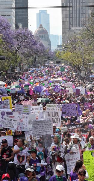 Miles de mujeres toman las calles y desafían al Estado mexicano; histórica marcha en Chihuahua