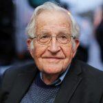 Chomsky: EU va al abismo sin un plan contra el Covid