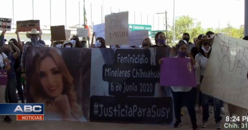 <strong>Controversia y pesar por <i>feminicido</i> de joven madre en Chihuahua</strong>
